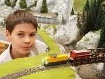 Felix zeigte großes Interesse an der Modelleisenbahn