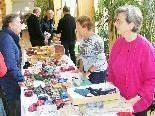 Handarbeitswaren machten einen großen Teil des Adventbasar-Angebotes aus.