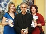 Jeanette Bobos und Anja Vonach ( Verein Tuberöse Sklerose Complex Mitanand ) mit Viktor - Geschäftsführer Armin Hotz