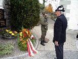 Kranzniederlegung am Kriegerdenkmal