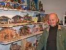 Krippenbaumeister Albert Gohm erzählt über Herkunft und Geschichte von unzähligen Meisterkrippen