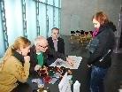 Tone Fink bei seiner Siegnierstunde für die VN-Kunstaktion im KUB.