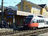 Züge fahren wieder mit voller Geschwindigkeit durch den Bahnhof Rankweil