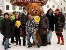 """Die Aktivisten des Südwind-Netzwerks """"Shop Fiar"""" gemeinsam mit der Flashmob Crew Vorarlberg."""