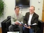 Bild: WVIW-Geschäftsführer DI Wolfgang Errath (links) mit Obmann StR Dir Rainer Keckeis im Gespräch.