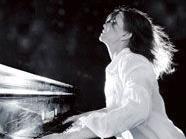 Die ungarische Ausnahme-Pianistin Csilla Szentpeteri