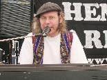 Dietmar Bitsche spielt am Freitag solo im Emsigen Beisl.