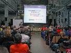 """Dr Simone Krees eröffnete die Vortragsreihe """"Sei eins mit Science"""" 2011."""