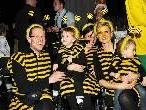 Eine ganze Bienenfamilie beim Ore Ore Kinderball im Festspielhaus.