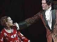 John Malkovich, hier mit Ingeborga Dapkunaite, wusste in seiner Rolle als Giacomo Casanova zu überzeugen.