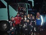"""Mit dem Skibus unterwegs sind auch die Aktiven und Betreuer der Aktion """"Jugend-Intensiv-Schilauf 2010""""."""