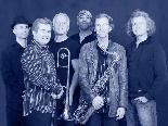 """R&B, Soul und Funk mit den """"Blue Dogs Under"""" im Schrott Rock-Vereinslokal."""