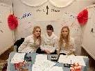 Sabrina, Julia und Bianca zeigten den Besuchern ihre Übungsfirma