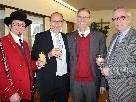 Vorstand Helmut Immler (Musikverein), Bürgermeister Xaver Sinz, Pfarrer Gerhard Mähr und Vizebürgermeister Michael Simma, von links.