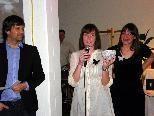 GF Stefan Koch mit Produktdesignerin Patricia Yasmine Graf und Magdalena Niedermaier