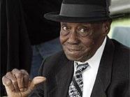 Pinetop Perkins wurde 97 Jahre alt.
