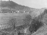 Blick von der Hohlen Gasse auf Tosters um 1900. Damals zählte man zählte 350 Einwohner.