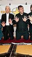 Charlie Watts (2.v.l.) und seine Kollegen von The ABC&D of Boogie Woogie am Walk of Stars.