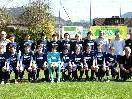 DAs FC SUlz U 15 Team mit GIKO GF Werner Abbrederis (li)