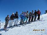 Die jungen Skifans flitzen über den Sennigrat (2300m).