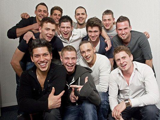 Die zwölf Kandidaten für die Wahl zum Mister Vorarlberg 2011.