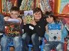 Diese Jungs haben sich bereits für ihr Lieblingsbuch entschieden.