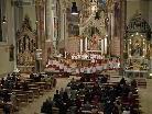 In der Osternachtfeier in der Pfarrkirche Schruns, wurde der Durchgang durch den Tod zum Leben sakramental nachvollzogen.