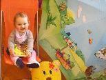 Je früher umso besser: Eltern-Kind Initiative in der Bücherei Schlins.