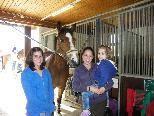Junge Nachwuchsreiterinnen mit Liebe zu den Pferden