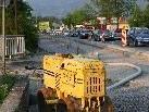 """Mittelinseln sollen den Verkehr auf der """"Betonstraße"""" einbremsen und für Anrainer wie die """"Straßenquerer"""" erträglicher machen."""