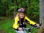 Radfahren im Gelände macht den Kinder großen Spaß.