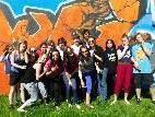 SchülerInnen der 4c-Klasse präsentieren Graffitikunst