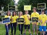 Amnesty - Jugend präsentiert Artikel der Menschenrechte