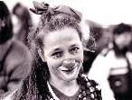 Clownfrau Elke Riedmann besucht am Nachmittag die Bibliothek und spielt ab 15.30 Uhr ein halbstündiges Programm.