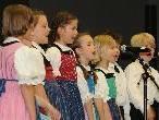 Der Kinderchor der Trachengruppe Lustenau beim Folklorefrühling in der Rheinauhalle.
