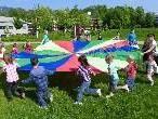 Der Riesenfallschirm war bei den Kindern besonders beliebt