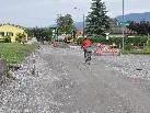 Die Instandhaltungsarbeiten sollen bis Ende Juni beendet sein, dann wird die Straße asphaltiert.