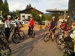 Die Radbegeisterten freuen sich auf die erste Tour.