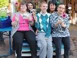 Freuten sich über den gelungenen Aktionstag: die MitarbeiterInnen des lebens.ART-Geschäfts in Dornbirn.