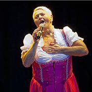 Jazz-Gitti feiert ihren 65. Geburtstag.