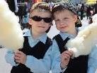 Laurin und Kilian, zwei ganz coole Marktbesucher