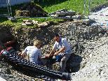 Mitarbeiter der Stadtwerke erneuern das Leitungsnetz