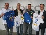 Robert Schwarz, Markus Graz, Thomas Kollnig und Obmann Alexander Schiller präsentieren das neue Dress und laden die Fans zum Heimspiel.