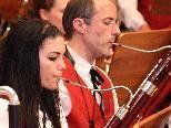 Stefanie Sinz mit Musikschullehrer Gilbert Hirtz