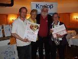 Vereinsvorstand mit Koch Roman und Hauptpreisgewinnerin Regina Beiser