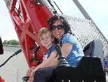 Viel Spaß hatten David mit seiner Mama Bettina beim Feuerwehrnachmittag!
