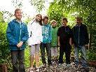 André, Michelle, Niklas, Sven, Jonas und Matthias von der VMS Hasenfeld, haben geholfen, eine Trockensteinmauer zu bauen.