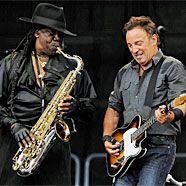 Clarence Clemons, hier mit Bruce Springsteen, erlag den Folgen eines Schlaganfalls.