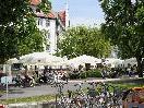 Der Gastgarten des Seehotels am Lochauer Kaiserstrand lädt zur gemütlichen Einkehr.