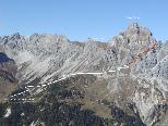 Der Klettersteig führt von der Heinrich-Hueter-Hütte zur Neyer-Scharte.
